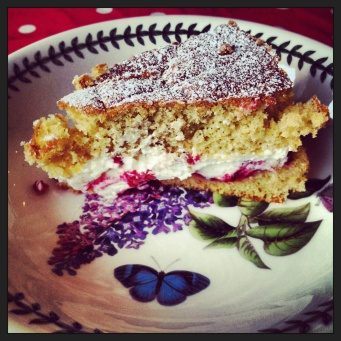 Raspberry Victoria Sponge 5